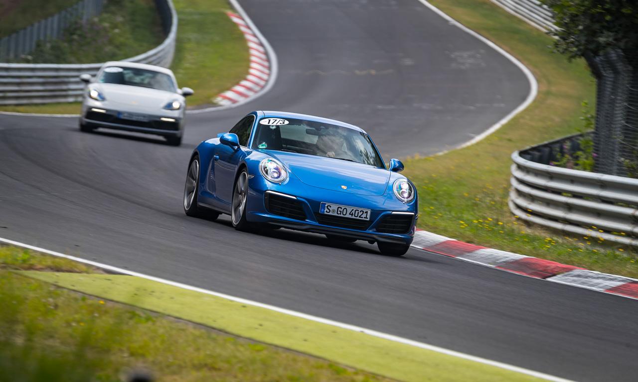 """70 Jahre Porsche Sportwagen 991.2 Carrera 4S im Fahrbericht Boxster 981 GTS 718 Boxster S AUTOmativ.de Benjamin Brodbeck Nordschleife Rossen 24 - Gibt es eigentlich den """"wahren"""" Porsche? - 70 Jahre Porsche Sportwagen"""