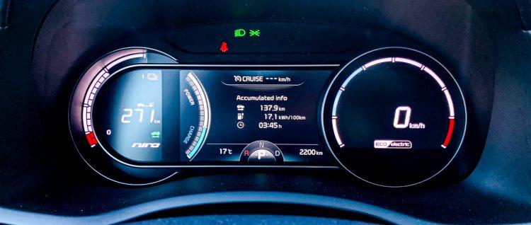 1Kia e Niro 2019 64 kWh 150 kW im Test und Fahrbericht von AUTOmativ.de Benjamin Brodbeck 38 750x318 - Test Kia e-Niro Spirit (64 kWh, 150 kW): Aufwachen - Asien steht vor der Tür!