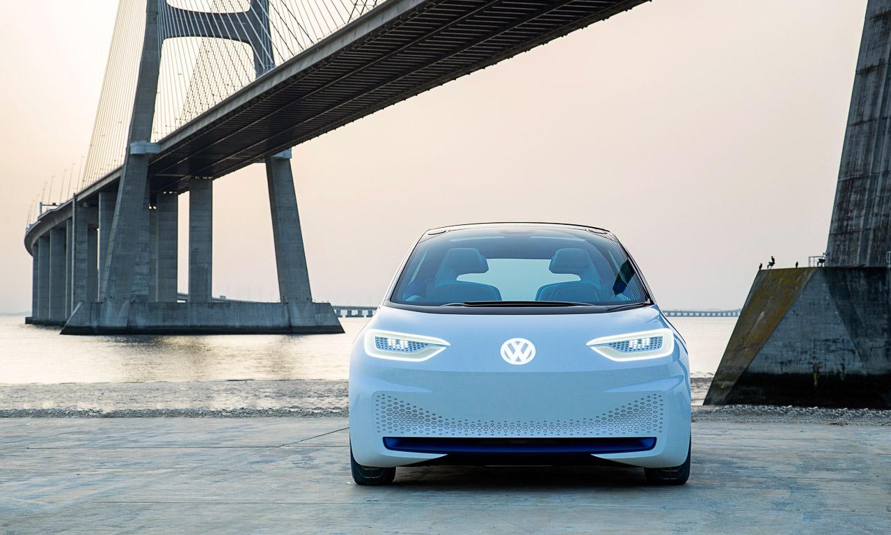 """Medien zum Fahrbericht des VW ID Noch vieles zu tun Der Golf ist tot AUTOmativ.de Fahrbericht ID 2 - Medien zum Fahrbericht des VW ID.: """"Noch viel zu tun"""" und: """"Der Golf ist tot"""""""