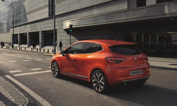 Neuer Renault Clio 4 750x450 - Neuer Renault Clio: Beliebter Franzose überrascht mit neuem Interieur