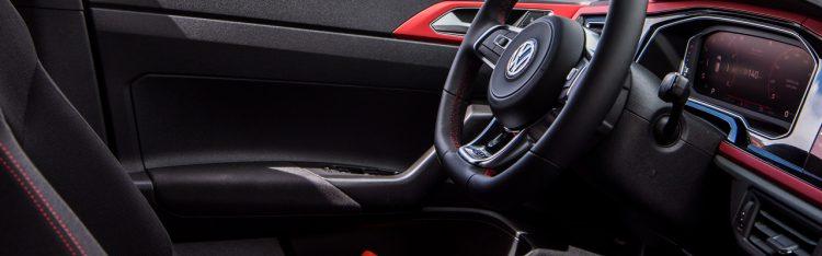 Polo GTI Armauflage und Tuerinnenverkleidung 750x234 - VW Polo GTI: 10 Dinge zum Radical? - VW Polo GTI Tuning
