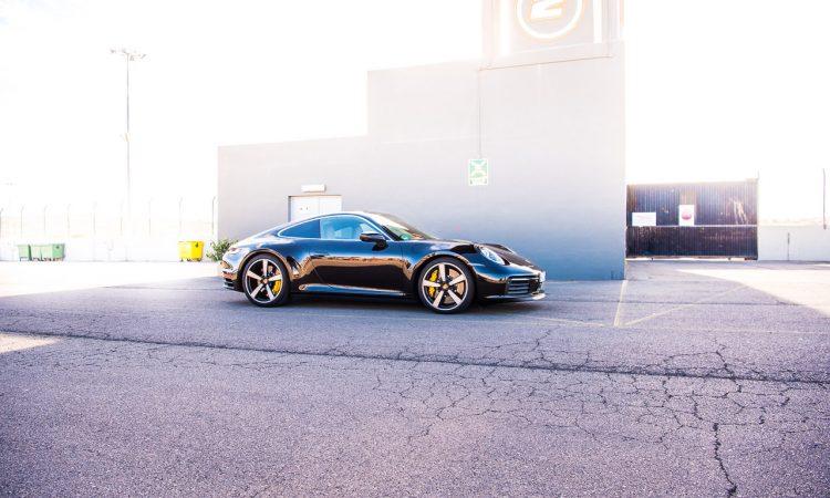 Porsche 911 Carrera 4S 992 Jet Black Metallic im Test und Fahrbericht Porsche 992 Test AUTOmativ.de Benjamin Brodbeck 20 1 750x450 - Neuer Porsche 911 Carrera 4S (992) im Test: Ikone der Superlative