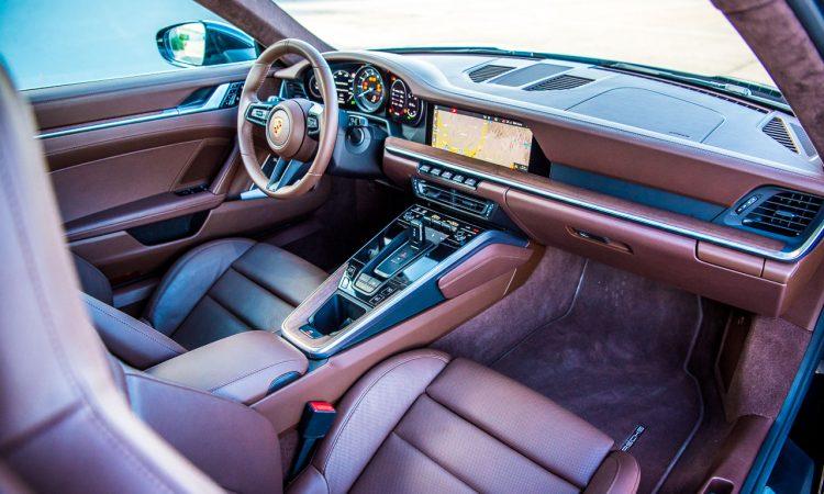 Porsche 911 Carrera 4S 992 Jet Black Metallic im Test und Fahrbericht Porsche 992 Test AUTOmativ.de Benjamin Brodbeck 26 750x450 - Neuer Porsche 911 Carrera 4S (992) im Test: Ikone der Superlative