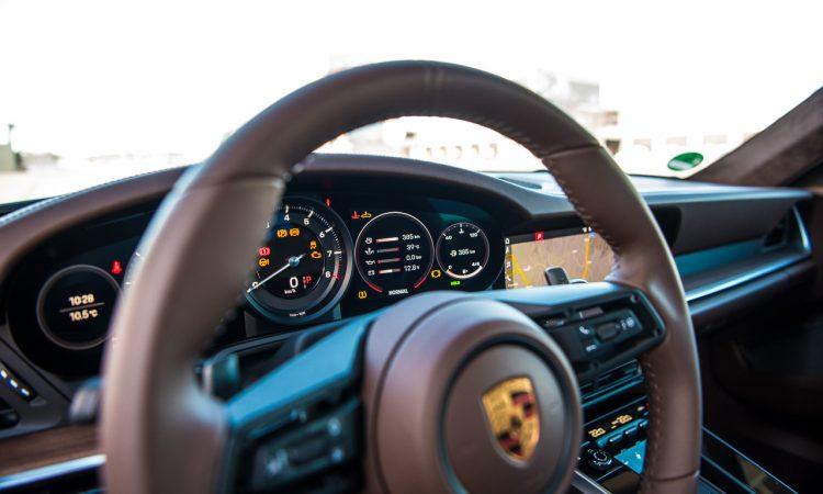 Porsche 911 Carrera 4S 992 Jet Black Metallic im Test und Fahrbericht Porsche 992 Test AUTOmativ.de Benjamin Brodbeck 31 1 750x450 - Neuer Porsche 911 Carrera 4S (992) im Test: Ikone der Superlative