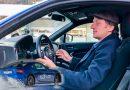 Tim Schrick Sitzposition im Auto Subaru BRZ 130x90 - Wenn Motorrad und Camping fusionieren: Citroën Jumper Biker Solution Wohnmobil