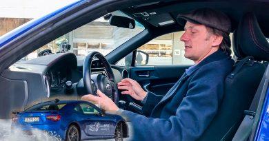 Tim Schrick Sitzposition im Auto Subaru BRZ 390x205 - Tipp: So sitzt man richtig im Auto - Tim Schrick erklärt