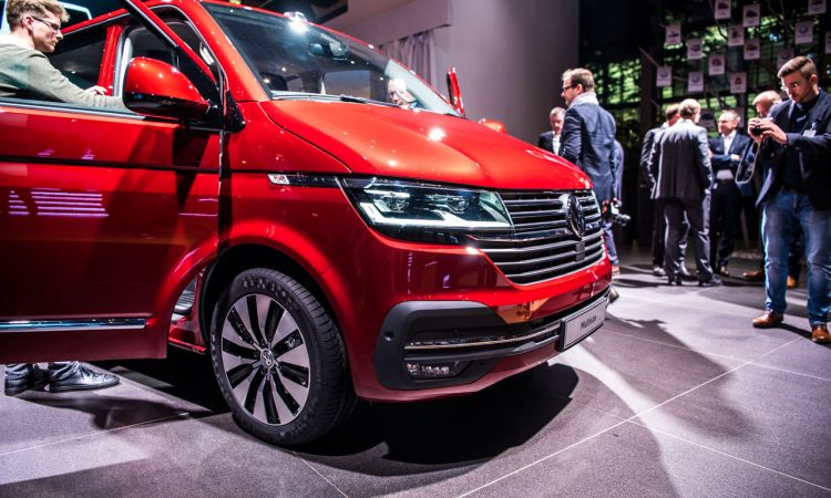 Volkswagen VW T6.1 Bulli T6 Facelift erste Sitzprobe und Review Walkaround Hat sich so viel geaendert 4 750x450 - Sitzprobe im neuen VW T6.1 Bulli Facelift: MIB3-System und mehr Assistenz!