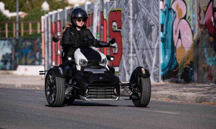 BRP Can Am Ryker 2019 im Test und Fahrbericht AUTOmativ.de Ilona Farsky 56 750x450 - BRP Can-am Ryker Rally Edition im Test: Dreiräder auf den Straßen schon bald keine Seltenheit mehr?