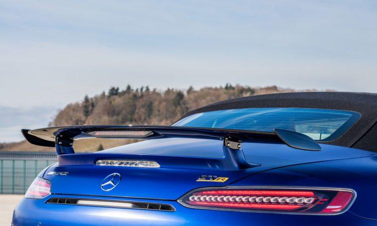 Mercedes AMG GT R Roadster 13 750x450 - Neuer offener Sternenwagen: Mercedes-AMG GT R Roadster