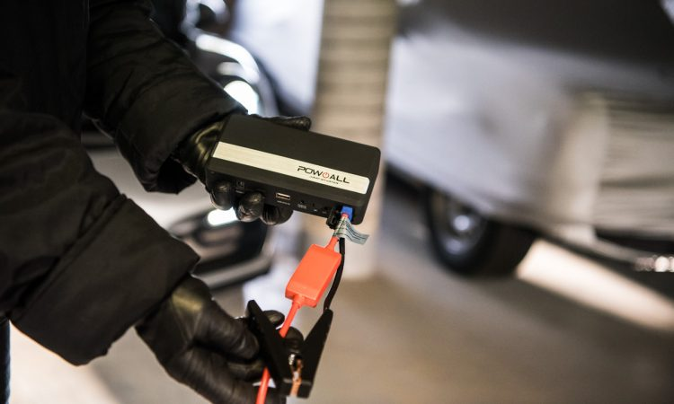 Oldtimer 14.000mAh Pow all Starthilfe BWIdee Test mit Porsche Boxster GTS 2 750x450 - Test: 14.000 mAh Pow all Starthilfe von BWIdee