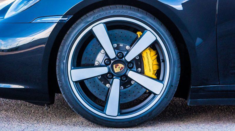 Porsche 911 Carrera 4S 992 Jet Black Metallic im Test und Fahrbericht Porsche 992 Test AUTOmativ.de Benjamin Brodbeck 80 800x445 - Ratgeber: Bremsbeläge und Bremsscheiben erneuern? Was Sie beim Kauf im Internet beachten sollten!