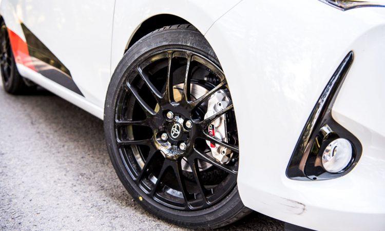 Toyota Yaris GRMN Test Fahrbericht 2018 Lotus Motor 1.8 212 PS AUTOmativ.de Benjamin Brodbeck 22 750x450 - Ratgeber: Bremsbeläge und Bremsscheiben erneuern? Was Sie beim Kauf im Internet beachten sollten!
