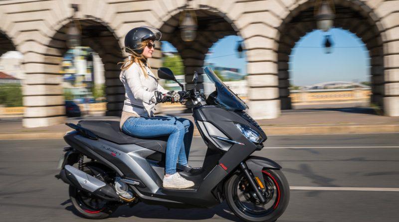 Der neue Peugeot Pulsion Roller Motorrad im Test AUTOmativ.de Ilona Farsky 19 800x445 - Test neuer Peugeot Pulsion: Die Crème de la Crème unter den Rollern