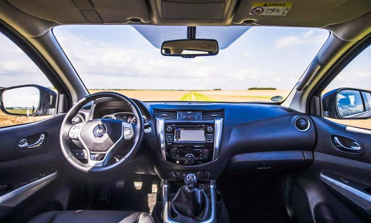Renault Alaskan dCi 180 Pick Up Lastenesel im Test und Fahrbericht AUTOmativ.de Benjamin Brodbeck Nissan Navara Mercedes X Klasse 4 750x450 - Fahrbericht Renault Alaskan dCi 190 Intense: König der Baustelle