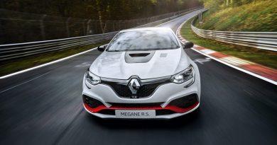 Renault Megane R.S. TROPHY R Nordschleife Rekordfahrt Rekord AUTOmativ.de  390x205 - Renault Mégane R.S. TROPHY-R mit neuem Nordschleifen-Rekord!