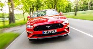 Ford Mustang GT 2019 V8 450 PS im Fahrbericht und Test AUTOmativ.de Benjamin Brodbeck 8 390x205 - Fahrbericht Ford Mustang GT Cabrio (V8): Urgewaltiges Urgestein!