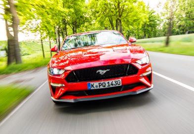 Fahrbericht Ford Mustang GT Cabrio (V8): Urgewaltiges Urgestein!