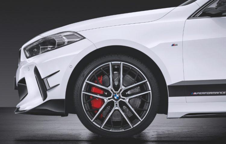 Neuer BMW 1er mit M Performance Parts 2020 LQ 9 750x478 - Der neue BMW 1er startet von Beginn an durch - mit M Performance Parts