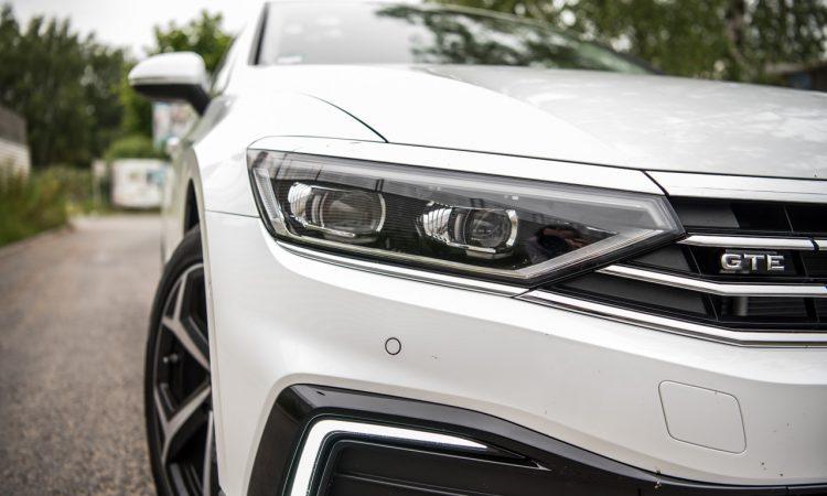 Volkswagen VW Passat R Line GTE Passat Alltrack 2020 im Test und Fahrbericht AUTOmativ.de Benjamin Brodbeck Ilona Farsky 12 750x450 - VW Passat R-Line 2.0 TSI (FL) im Fahrbericht: Schick - und vollgepackt mit Technik