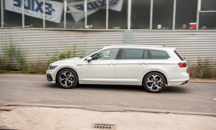 Volkswagen VW Passat R Line GTE Passat Alltrack 2020 im Test und Fahrbericht AUTOmativ.de Benjamin Brodbeck Ilona Farsky 25 750x450 - VW Passat R-Line 2.0 TSI (FL) im Fahrbericht: Schick - und vollgepackt mit Technik