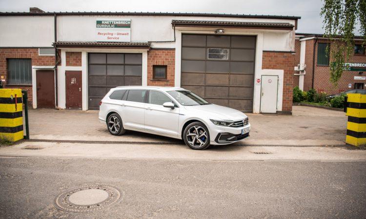 Volkswagen VW Passat R Line GTE Passat Alltrack 2020 im Test und Fahrbericht AUTOmativ.de Benjamin Brodbeck Ilona Farsky 34 750x450 - VW Passat R-Line 2.0 TSI (FL) im Fahrbericht: Schick - und vollgepackt mit Technik