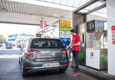 Neuer VW Golf TGI (CNG) im Test: Mit vier Strohballen 11.400 Kilometer weit – CO2-neutral!