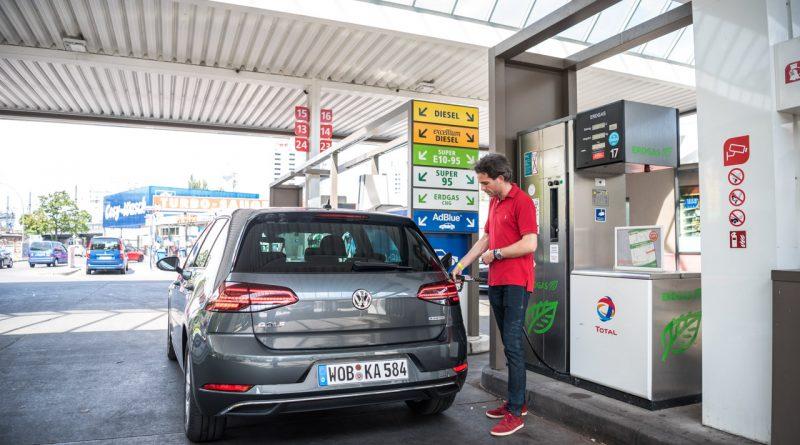 CNG Days VW Golf TGI Test und Fahrbericht 12 800x445 - Neuer Erdgas-Golf TGI (CNG) im Test: Mit vier Strohballen 11.400 Kilometer weit - CO2-neutral!