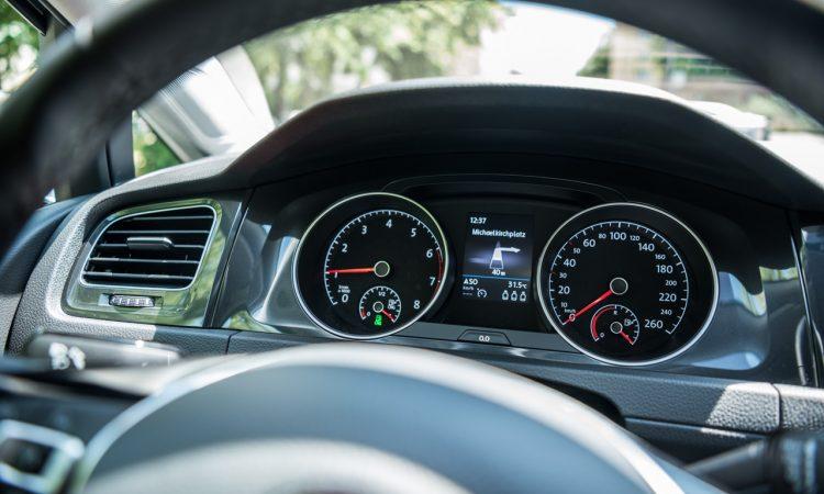 CNG Days VW Golf TGI Test und Fahrbericht 23 750x450 - Neuer Erdgas-Golf TGI (CNG) im Test: Mit vier Strohballen 11.400 Kilometer weit - CO2-neutral!