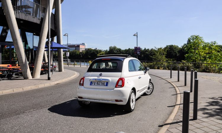 Fiat 500 Dolcevita Sondermodell im Test und Fahrbericht AUTOmativ.de Ilona Farsky Benjamin Brodbeck 15 750x450 - Fiat 500 Dolcevita im Fahrbericht: 85 PS purer italienischer Knutschkugel-Lifestyle