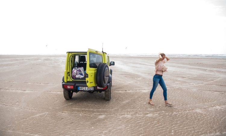 Suzuki Jimny 2019 im Test und Fahrbericht Offroad und Onroad Strand SUV AUTOmativ.de Benjamin Brodbeck 3 750x450 - Test Suzuki Jimny 1.5 Allgrip (Comfort+): Fun on the Beach
