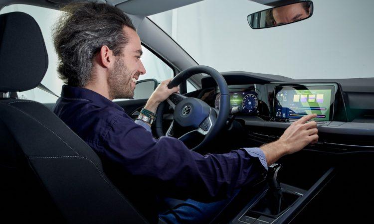 Volkswagen VW Golf 8 Style Shooting Test Sitzprobe Neuer Golf Test AUTOmativ.de Benjamin Brodbeck 15 750x450 - Sitzprobe neuer VW Golf 8 (2020): Doch (noch) besser als ID.3?