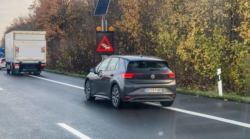 VW ID3 auf der Strasse 1 800x445 - Alle, die den neuen VW ID.3 in Schwarz bestellen, sind Langweiler!