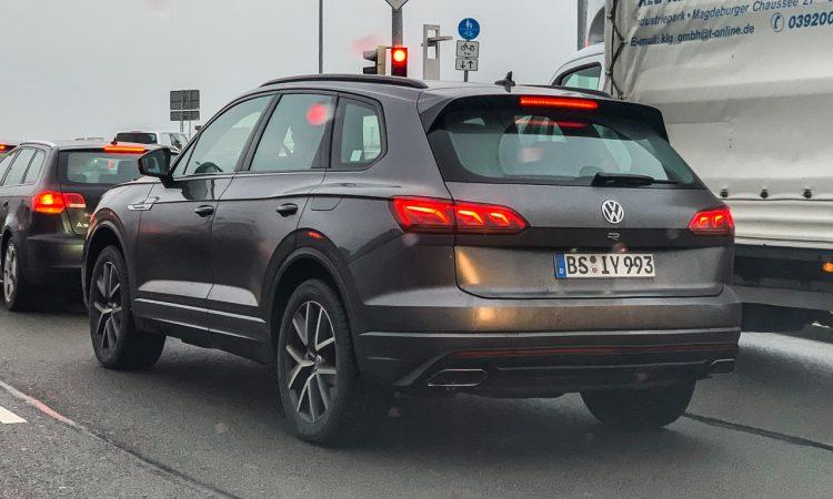 Neuer VW Touareg R 4 750x450 - Ungetarnt: Neuer VW Touareg R mit Porsche-Motor und über 450 PS!
