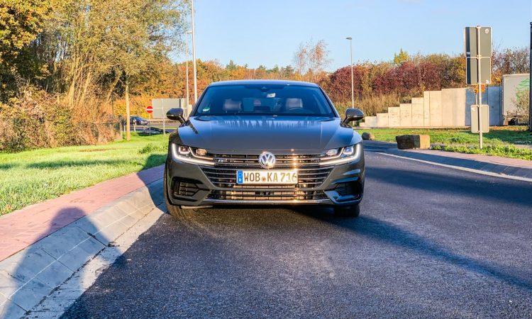 Volkswagen VW Arteon kurz gefahren AUTOmativ.de 11 750x450 - Kurz gefahren: VW Arteon 2.0 TDI R-Line mit präsentem Dieselsound
