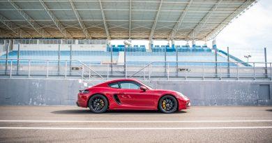 Porsche 718 Cayman GTS 4.0 Racetrack Rennstrecke Fahrbericht Test High Speed 400 PS AUTOmativ.de Benjamin Brodbeck 10 390x205 - Porsche 718 Cayman GTS 4.0 auf der Rennstrecke: Extrovertierter Feinfühler