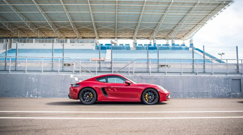 Porsche 718 Cayman GTS 4.0 Racetrack Rennstrecke Fahrbericht Test High Speed 400 PS AUTOmativ.de Benjamin Brodbeck 10 800x445 - Porsche 718 Cayman GTS 4.0 auf der Rennstrecke: Extrovertierter Feinfühler