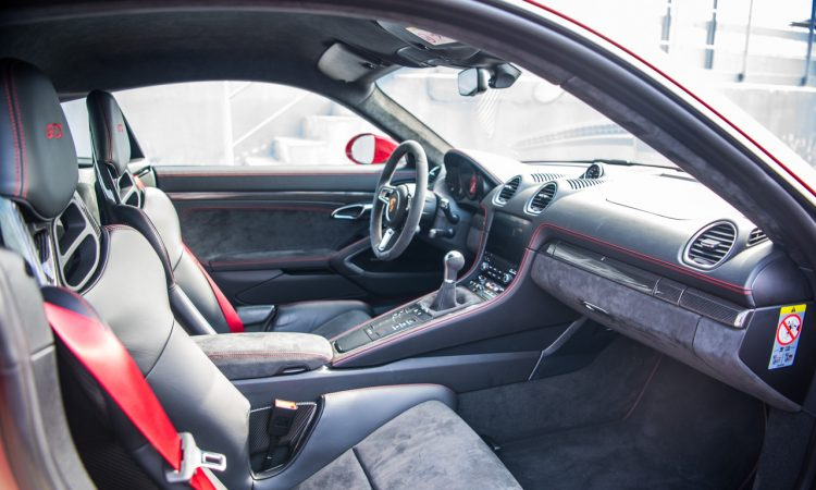 Porsche 718 Cayman GTS 4.0 Racetrack Rennstrecke Fahrbericht Test High Speed 400 PS AUTOmativ.de Benjamin Brodbeck 13 750x450 - Porsche 718 Cayman GTS 4.0 auf der Rennstrecke: Extrovertierter Feinfühler