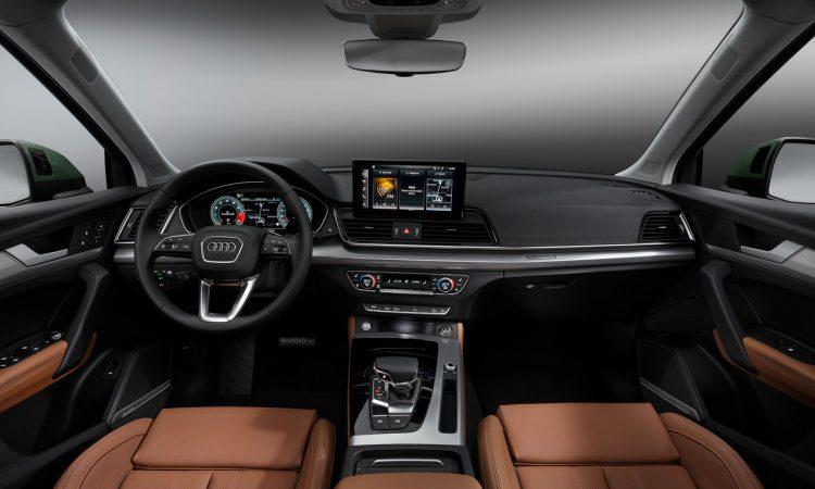 Audi Q5 2020 Neuvorstellung AUTOmativ.de 19 750x450 - Audi Q5 Facelift mit OLED-Technologie kommuniziert mit Ampeln