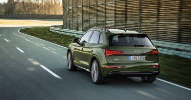 Audi Q5 Facelift mit OLED-Technologie kommuniziert mit Ampeln