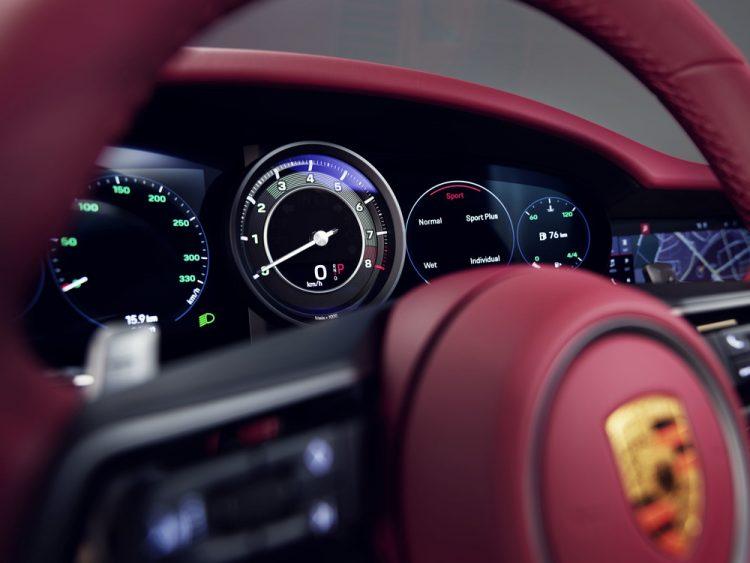 S20 1724 750x563 - Porsche 911 (991.2) Targa 4 GTS im Fahrbericht: Wölb-Glas-Transformer