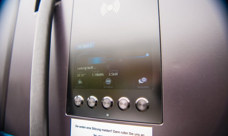 Kia XCeed Plug in Hybrid PHEV 2020 im Test und Fahrbericht AUTOmativ.de Benjamin Brodbeck 10 750x450 - Test Kia XCeed PHEV: Plug-in-Hybrid als treuer Alltagsbegleiter