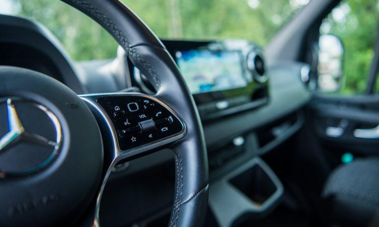 Mercedes Benz Sprinter 316 CDi Nutzfahrzeug Kastenwagen Test und Fahrbericht AUTOmativ.de Benjamin Brodbeck 5 750x450 - Praxistest Mercedes-Benz Sprinter 316 CDI: Multimedial und intuitiv - der beste Kastenwagen?