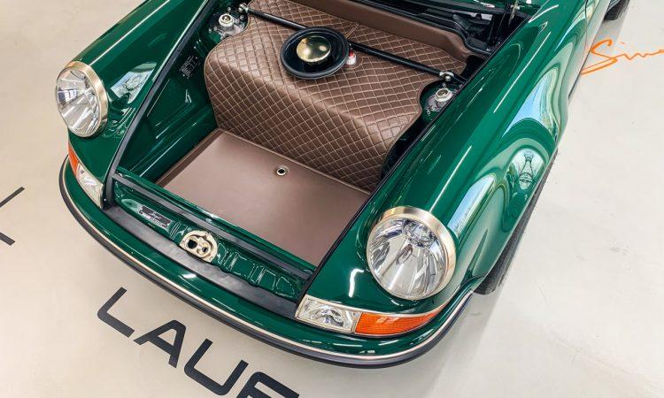 Porsche 911 Carrera reimagined by Singer 911 Vintage Cars Kussmaul GmbH AUTOmativ.de Benjamin Brodbeck 4 750x450 - Singer 911 DLS mit 4,0-Liter-Boxer: Feinste Porsche 964 Veredelung (Bildergalerie)