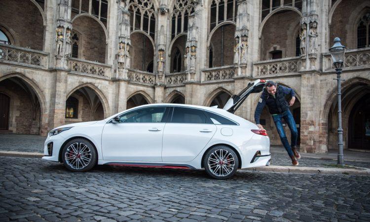 Kia Proceed GT 2020 Handschalter im Test und Fahrbericht Sound Technik Alltag AUTOmativ.de Benjamin Brodbeck 50 750x450 - Kia ProCeed GT 1.6 T-GDi als Handschalter im Fahrbericht: Mehr Spaß mit 6?