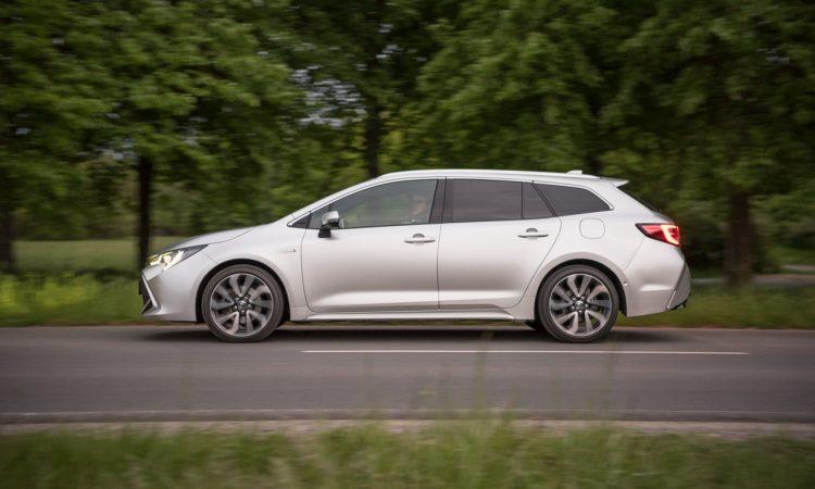 Toyota Corolla TS 2.0l Hybrid Lounge Assistenz Verbrauch Material Platz Exterieur Interieur im Test und Fahrbericht AUTOmativ.de 5 750x450 - Toyota Corolla TS 2.0l Hybrid im Test: Zeitlos geht anders