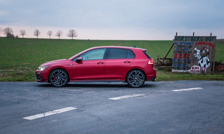 Volkswagen VW Golf 8 GTI 2020 Handschalter Kings Red Beschleunigung Fahrwerk DCC Test und Fahrbericht AUTOmativ.de Test 34 750x450 - Fahrbericht VW Golf 8 GTI Handschalter: Rot wie ein König