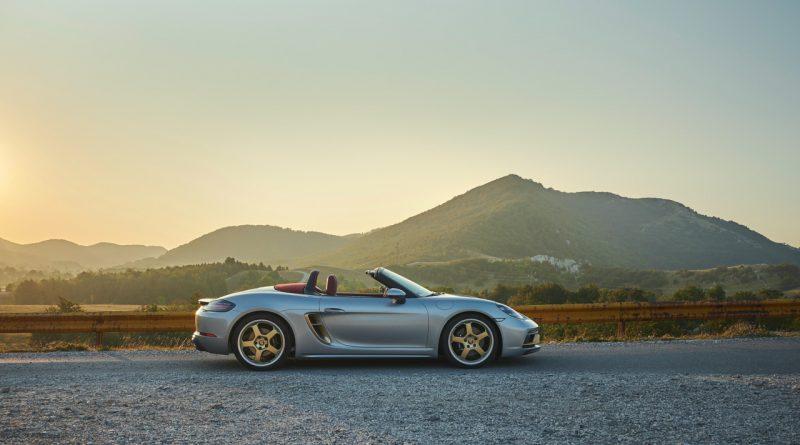 Porsche Boxster 25 Jahre limitiertes Jubilaeumsmodell 13 800x445 - Porsche Boxster 25 Jahre: Limitiertes Jubiläumsmodell mit goldenen Applikationen