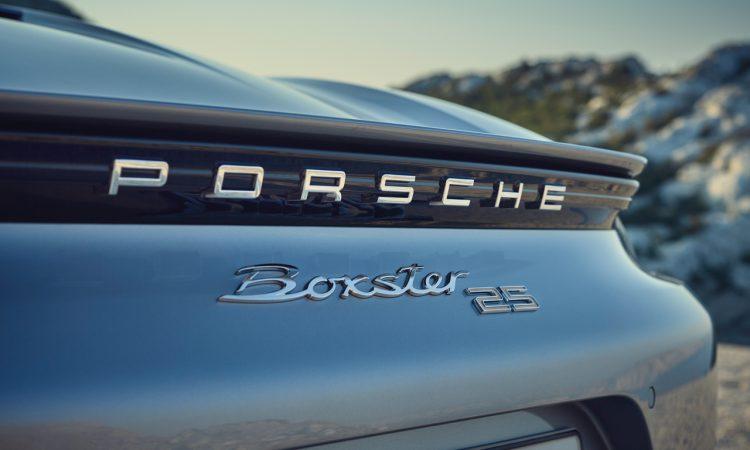 Porsche Boxster 25 Jahre limitiertes Jubilaeumsmodell 6 750x450 - Porsche Boxster 25 Jahre: Limitiertes Jubiläumsmodell mit goldenen Applikationen