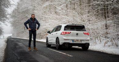 VW Golf 8 GTI Clubsport 2021 im Test und Fahrbericht 300 PS Lohnt es sich Golf GTI AUTOmativ.de Benjamin Brodbeck COVER 41 390x205 - Fahrbericht VW Golf 8 GTI Clubsport: Das ist der Echte!