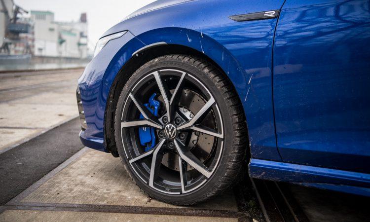 VW Golf 8 R vs. Cupra Formentor VZ 61 750x450 - VW Golf 8 R (2021) Fahrbericht: 320 PS, Torque Vectoring und Drift Mode!
